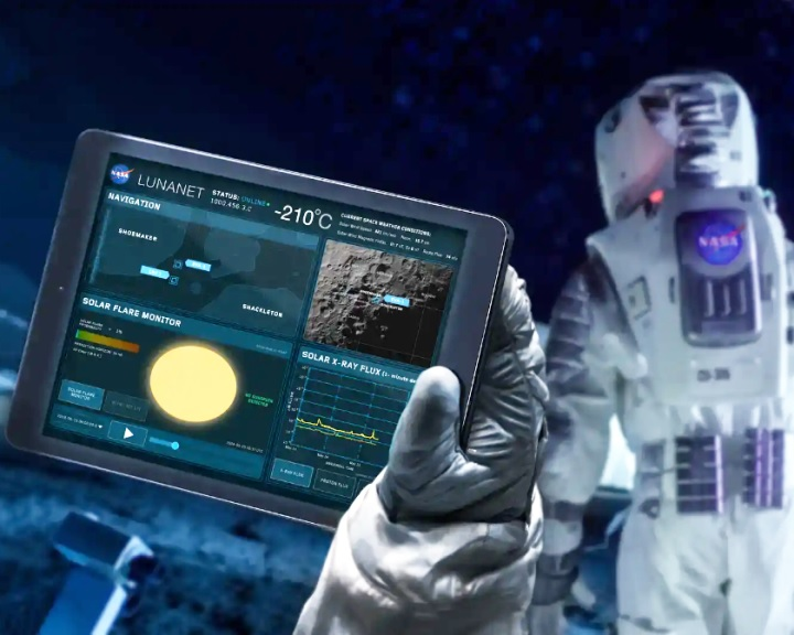 Internet fogadná az űrhajósokat a Holdon