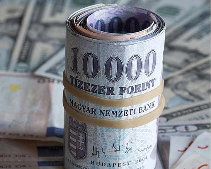 Az MNB 9 milliárd eurót biztosít a bankoknak a forintosításhoz