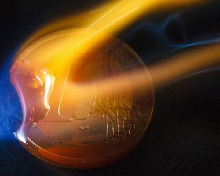 Elhúzódó és károkat okozó defláció fenyeget az euróövezetben