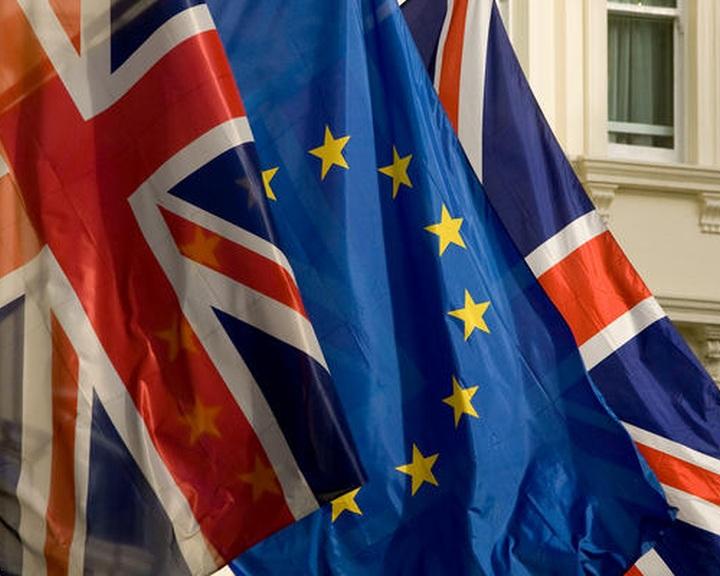 Brit EU-népszavazás: jövő nyáron lesz a referendum