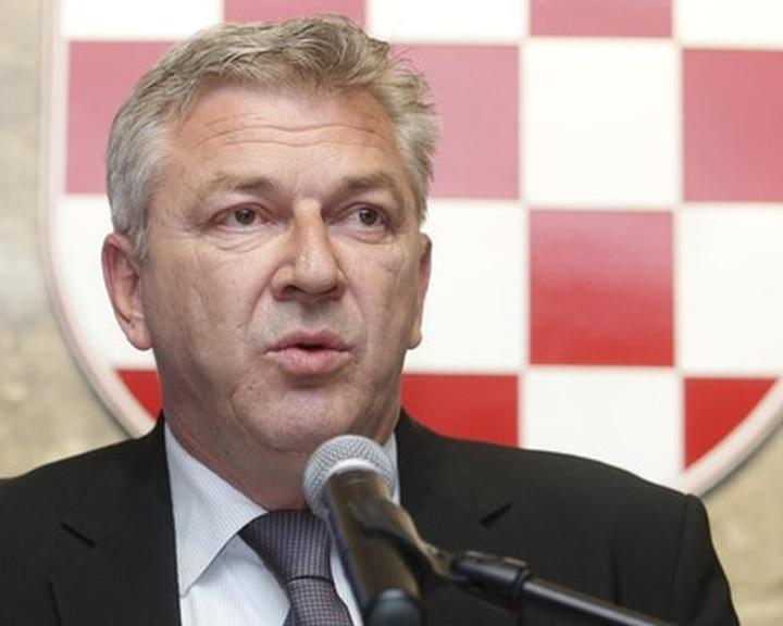 A horvát belügyminiszter határzárat helyezett kilátásba