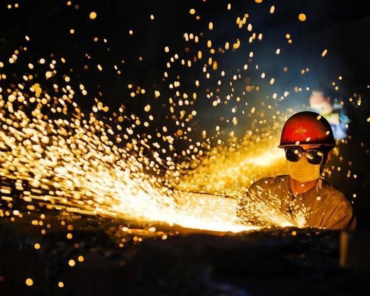 1,8 millió embert bocsátanak el a kínai szén- és acélipari vállalatok