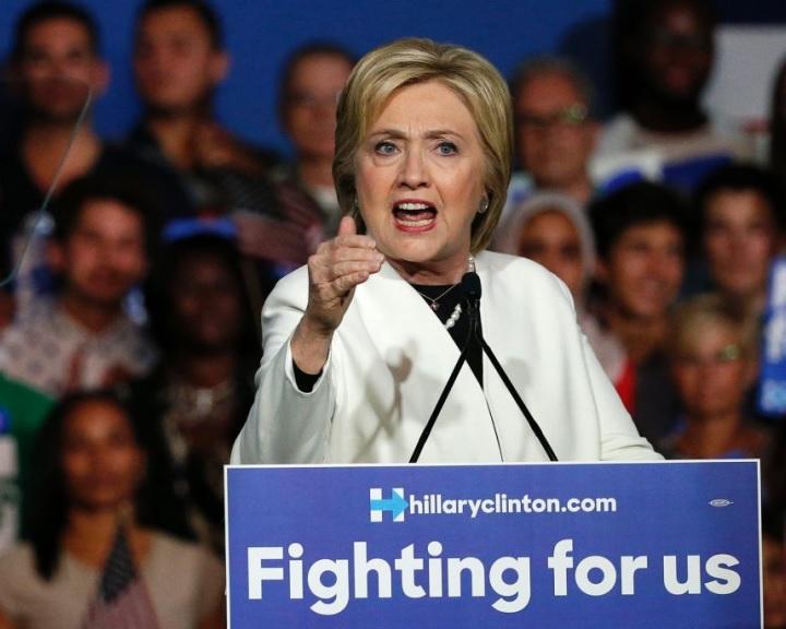 Hillary Clinton: most rajtunk a sor, hogy segítsünk Európának