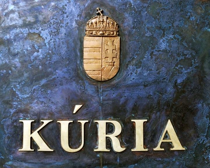 Felelősségre vonnák a Kúria főbíráját