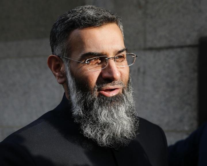 Börtönre ítéltek egy brit iszlám hitszónokot