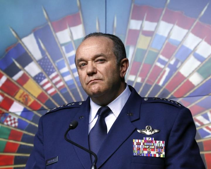 Breedlove: Európa Oroszország elleni háborúra kell készüljön