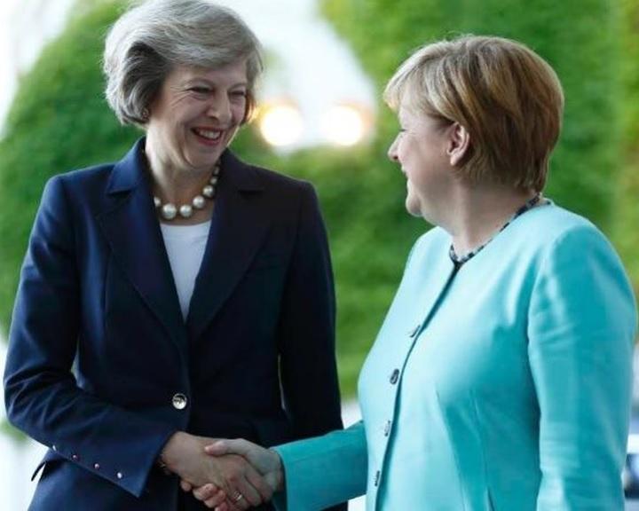 Durvuló Brexitre kemény válasz Merkeltől