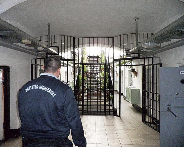 Továbbra is toboroz a büntetés-végrehajtás