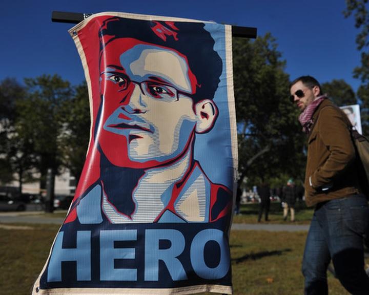 Snowden kettős mércével vádolja az igazságszolgáltatást