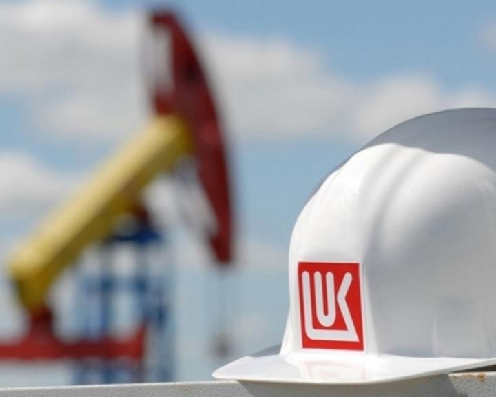 Kreml: Putyin döntött az orosz olajkitermelés csökkentéséről