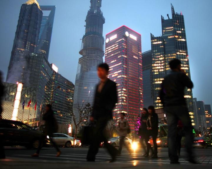 Kína a következő évtized végére lehagyja az amerikai gazdaságot