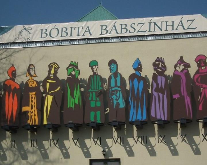 Szárnyas malac nap - Pénteken tartják a pécsi Bóbita Bábszínház óévbúcsúztatóját