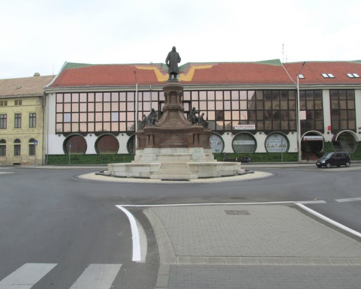 Mintegy 800 millió forintos forrást nyert Pécs közlekedési fejlesztésre
