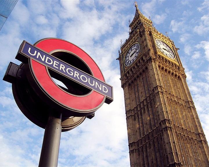 A jegyautomaták elveszik a londoni metró dolgozóinak munkáját, ezért sztrájkolnak
