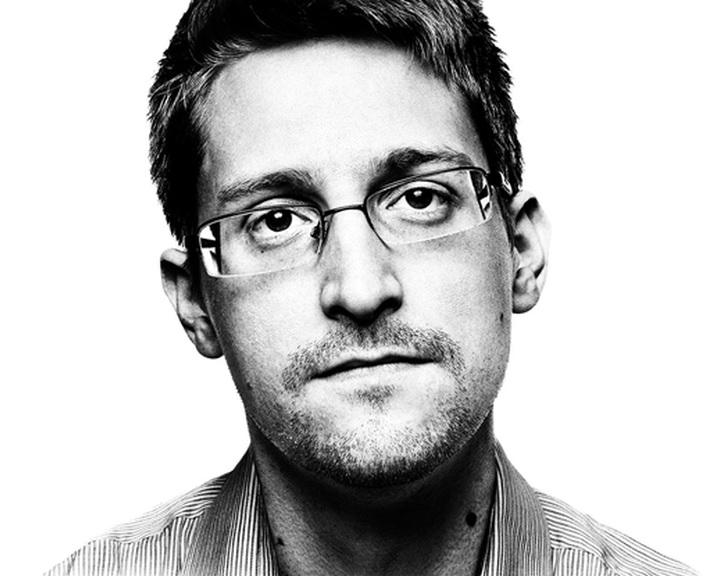 Oroszország meghosszabbította Snowden tartózkodási engedélyét