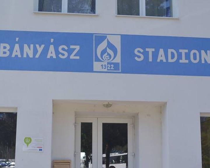 Felújítás a Komlói Bányász sportcsarnokban