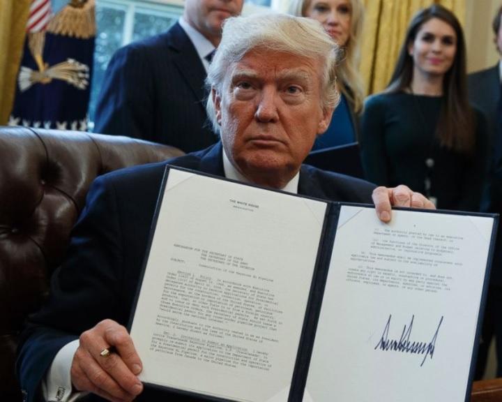 Trump rendeletet adott ki két olajvezeték építési tervének felgyorsításáról