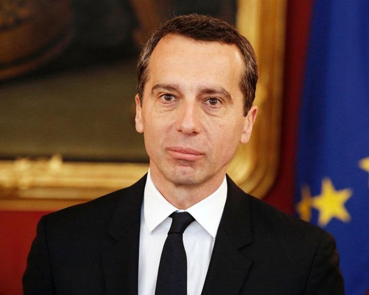 Osztrák kancellár: az USA is felelős a menekültválságért