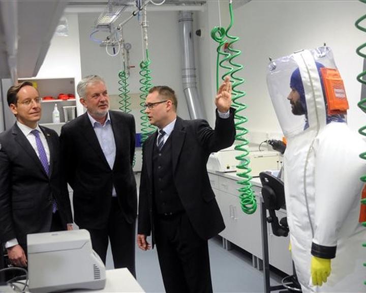 Százhúszmillióból fejlesztették a pécsi egyetem virológiai laboratóriumát