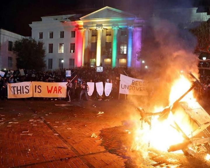 Lynch: Most is tüntetésekre van szükség az utcán, ami vérontással járhat
