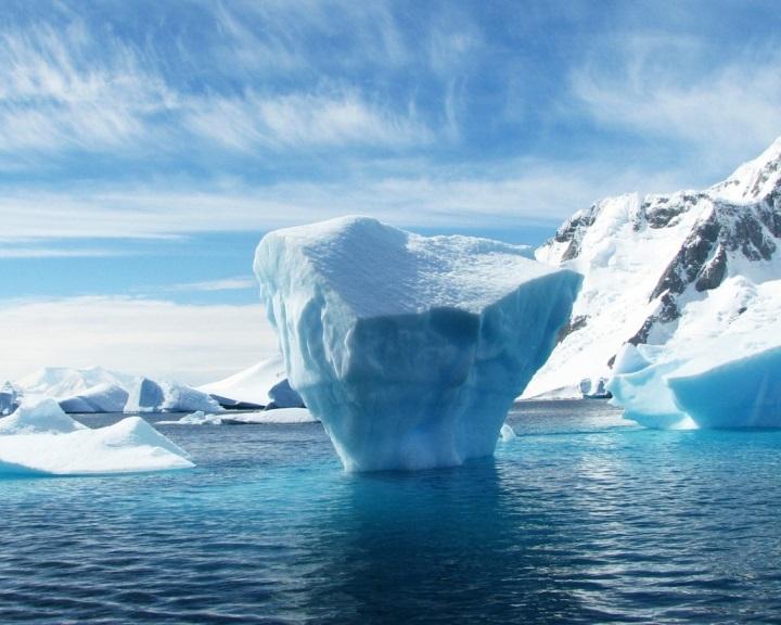 Az Antarktisztól akarnak jéghegyeket tolni az Arab-öbölbe az ivóvíz biztosítására