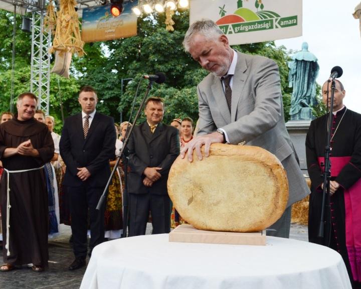 Magyarok kenyere - Új programelemekkel bővül a jótékonysági kezdeményezés