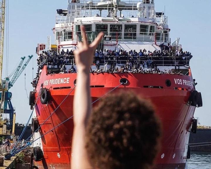 Olasz kormány: az NGO-mentőhajók vigyék a migránsokat Triesztbe