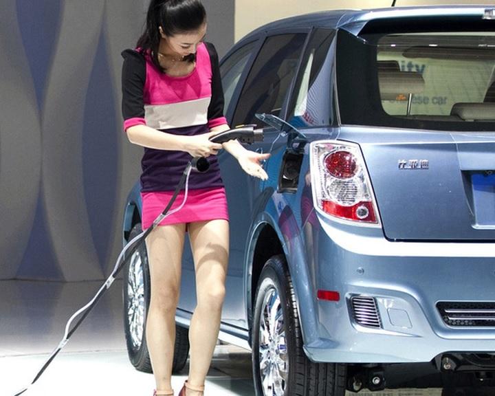 Összefogtak az autógyártók a kínai kvótarendszer ellen