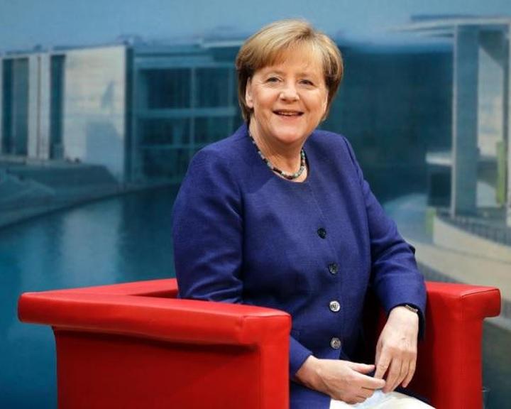 Merkel továbbra is elutasítja a felső határt a menedékkérők befogadásában