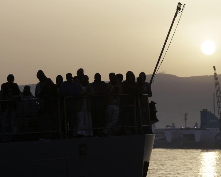 Olaszország megakadályozta a földközi-tengeri EU-művelet meghosszabbítását