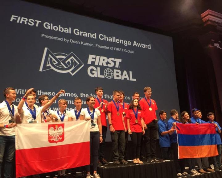 Magyar csapat nyerte a washingtoni robotépítő verseny fődíját