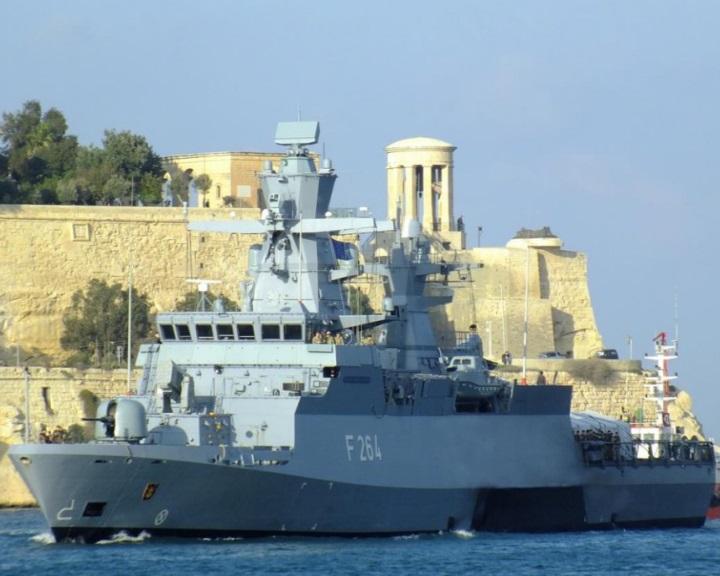 Meghosszabbították a földközi-tengeri uniós művelet mandátumát