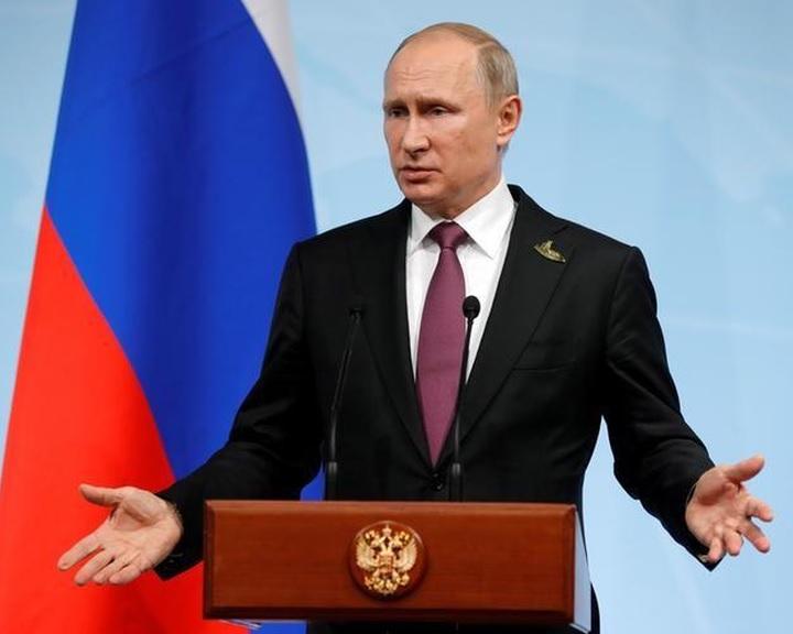 Putyin: Washingtonnak 755 külügyi alkalmazottat kell visszahívnia Oroszországból