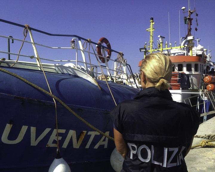 Olasz belügyminiszter: a civil szervezetek szabályozása a nemzetbiztonságot szolgálja