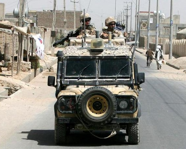 Bocsánatot kért a brit védelmi miniszter Irakban elesett brit katonák családjától