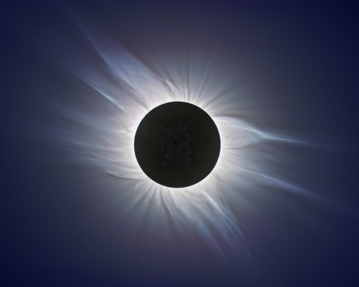 Amerika a teljes napfogyatkozás lázában ég