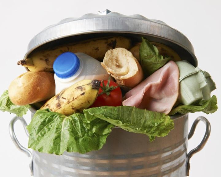 Mintegy ötezer tonna élelmiszert mentett meg idén az Élelmiszerbank