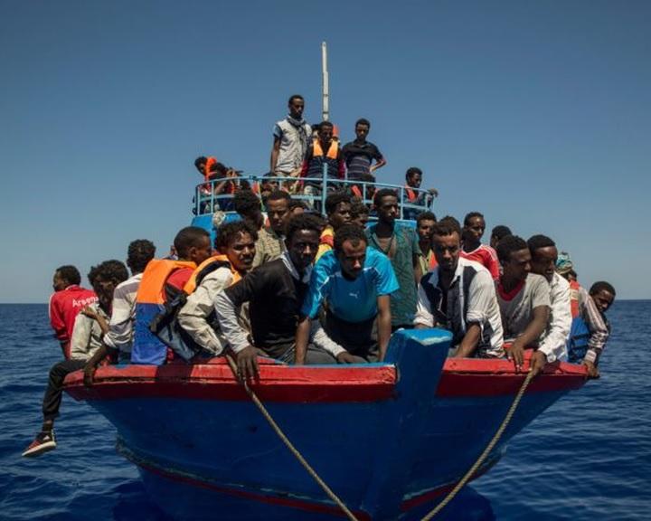 Német belügyminiszter: egységesíteni kell a menedékkérők ellátását az EU-ban