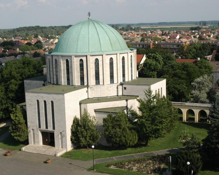 Másfél milliárd forintos turisztikai fejlesztés a pécsi egyházmegyében