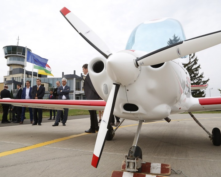 Duális képzéseket indít a pécsi egyetem és a Magnus Aircraft