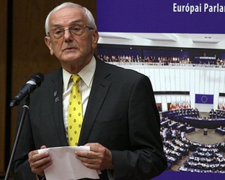 Magyar díjazottak az Európai Polgár Díj kitüntetettjei között