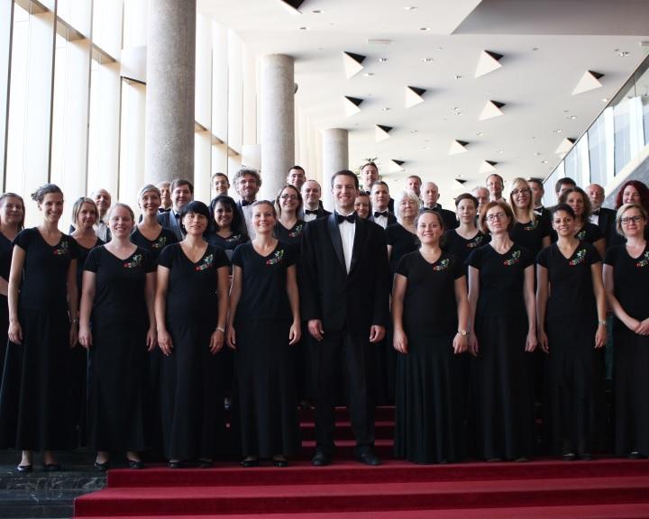 Jubileumi koncertet adott a 60 éves Mecsek Kórus
