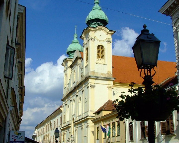 Az Angster orgonagyár alapítására emlékeznek Pécsen