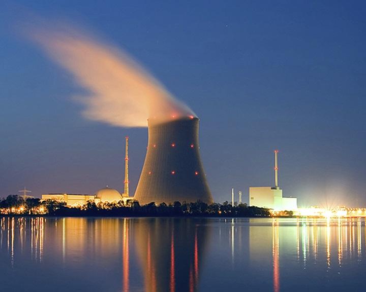Franciaország elhalasztja az atomerőművek bezárását