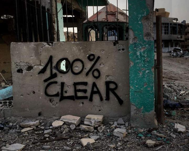 Lavrov: tisztázni kell, hogy Washington összejátszott-e a terroristákkal Rakkánál