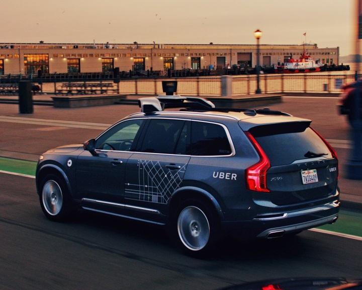 A Uber 24 000 önvezető Volvo XC90-es beszerzéséről határozott