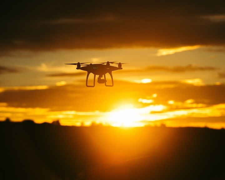 Drónok felderítésére alkalmas szenzorrendszert fejleszt az Antenna Hungária