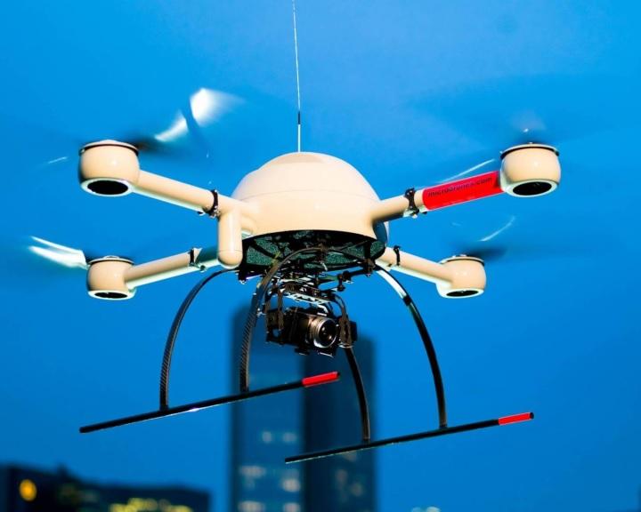 A drónok és üzemeltetőik azonosíthatóságát előíró jogszabályról egyeztek meg