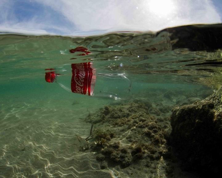 Néhány év, és annyi műanyag hulladék lesz a Földközi-tengerben, mint hal