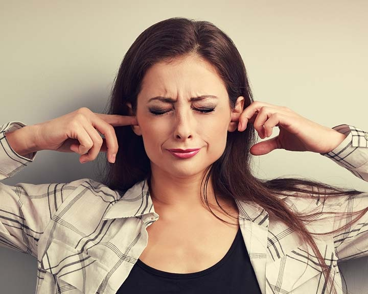 Hang- és elektromos terápiával kezelnék a fülcsengést